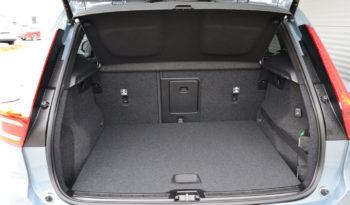 Volvo XC40 D3 AWD Momentum Pro voll